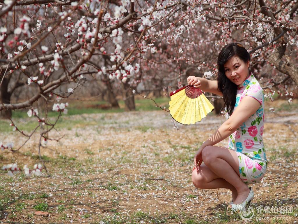 春天花开美女争艳