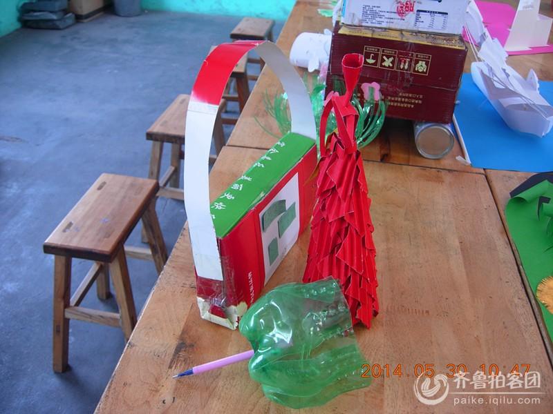 """小学生利用废弃物制作工艺品------庆祝""""六五""""世界"""