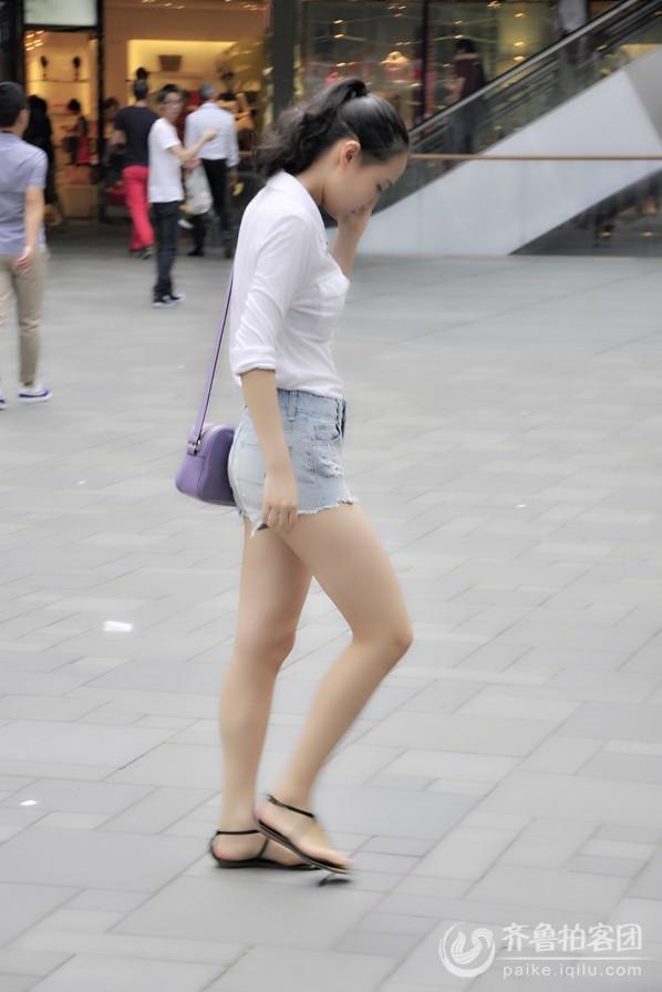 北京三里屯街拍美女帅哥