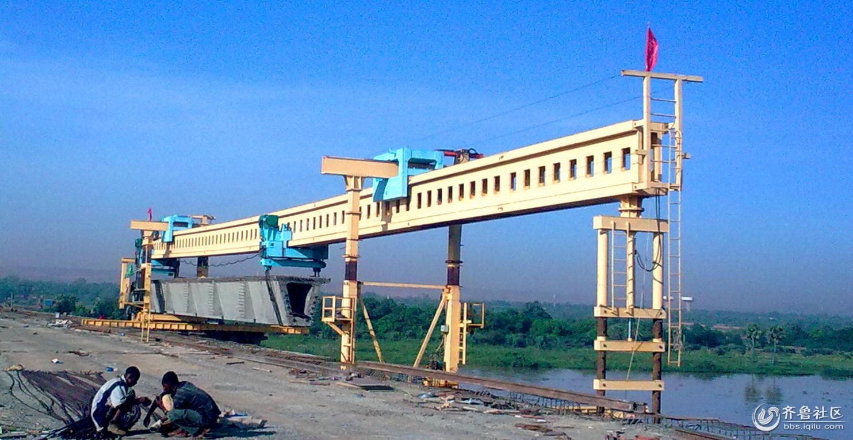 双导梁架桥机架设30米箱梁施工现场,架桥机结构讲解视频视频图片