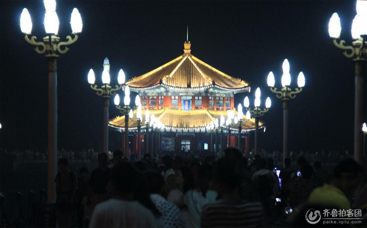 青岛栈桥夜景
