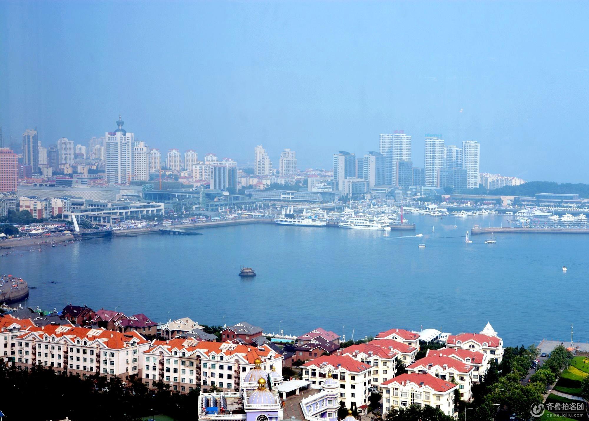 海信大厦25层俯瞰红瓦,绿树,碧海 - 青岛拍客 - 齐鲁