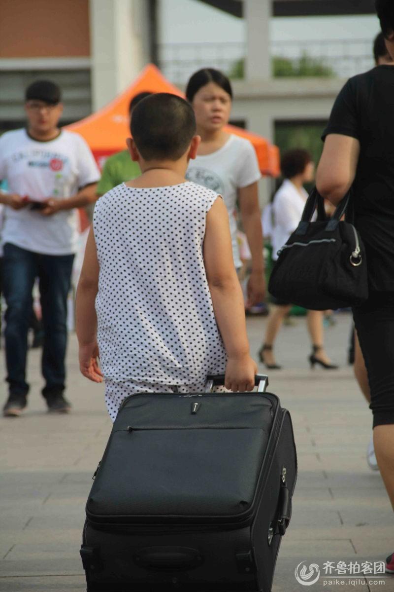 行李箱重量可以分摊吗_上飞机行李箱重量