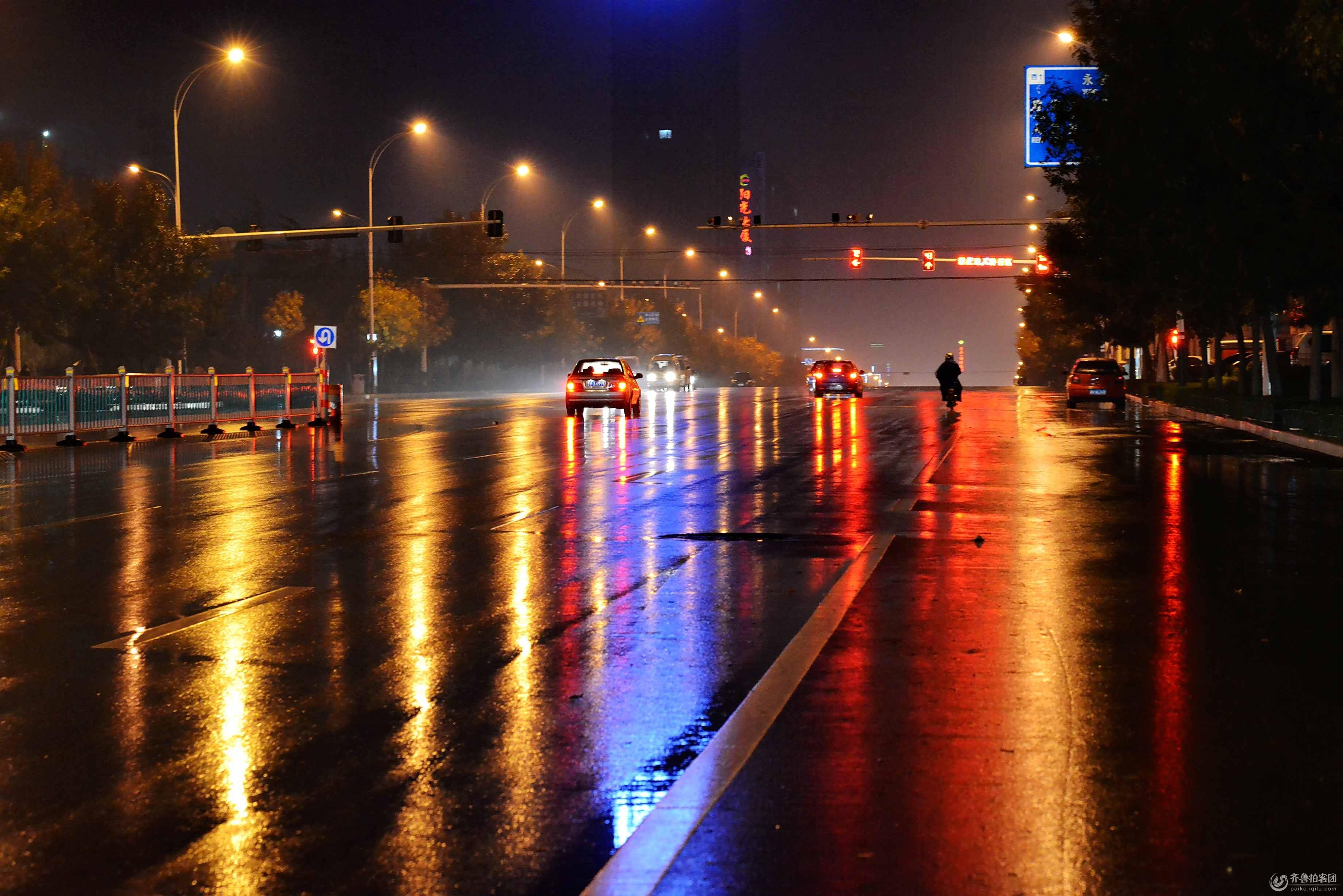 雨夜路灯下的街道欧式油画
