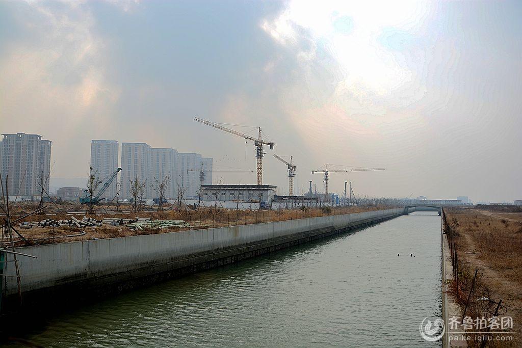 【实拍】建设中的青岛滨海欢乐城
