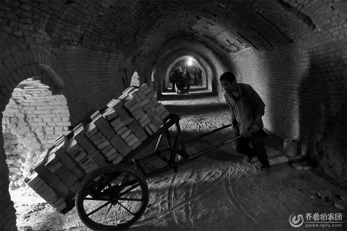 砖窑厂工人生活实拍