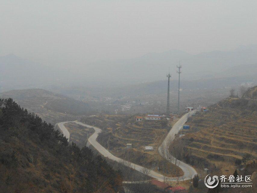 在半山腰上看空气依然污染严重