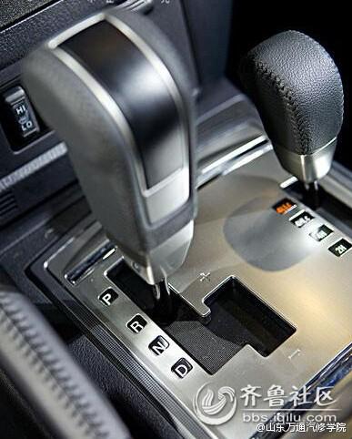 汽车轮胎的使用养护高清图片