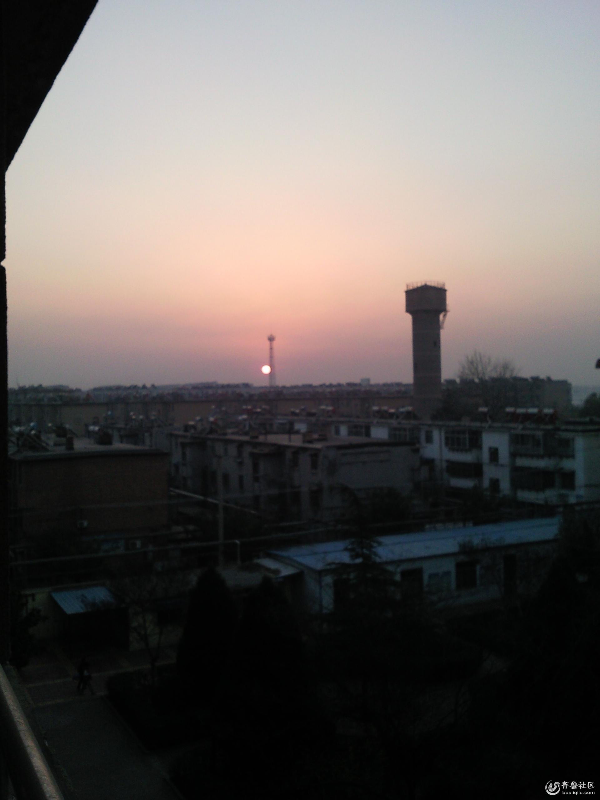 太阳刚刚升起