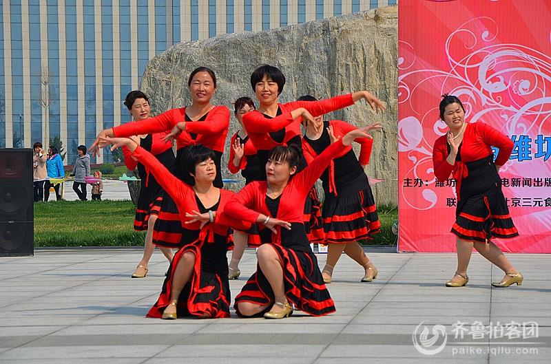 首届潍坊网络视频广场舞大赛走进昌乐剪影图片