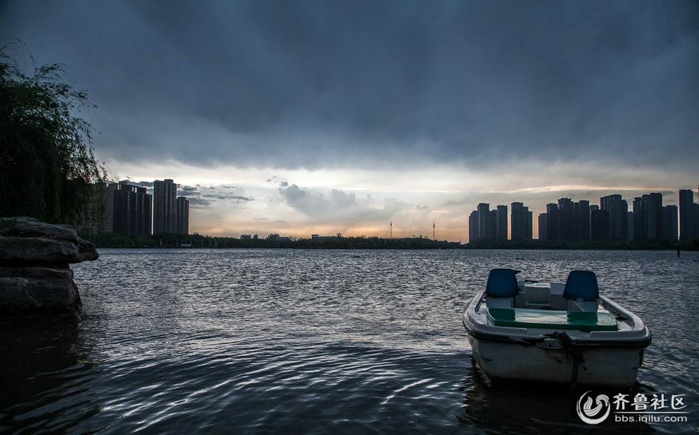 看东湖云卷云舒