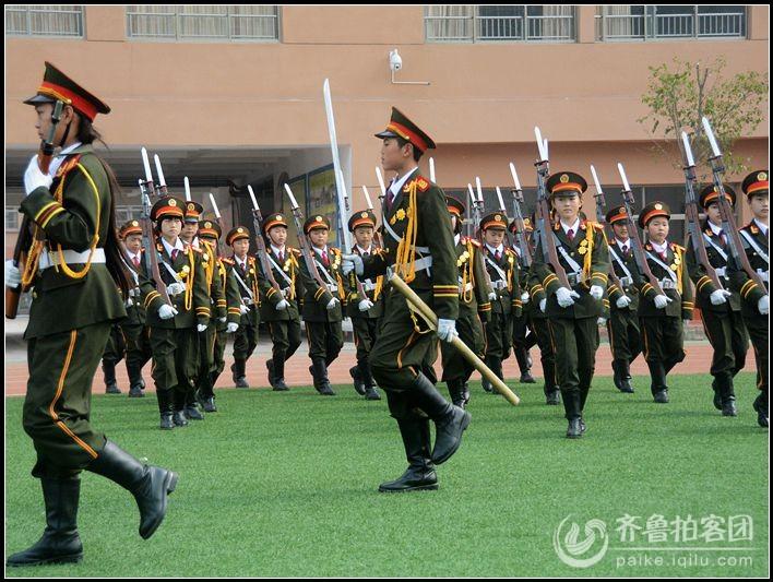 牡丹区实验小学的国旗仪仗队