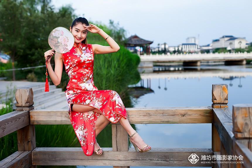 旗袍美女苏日曼