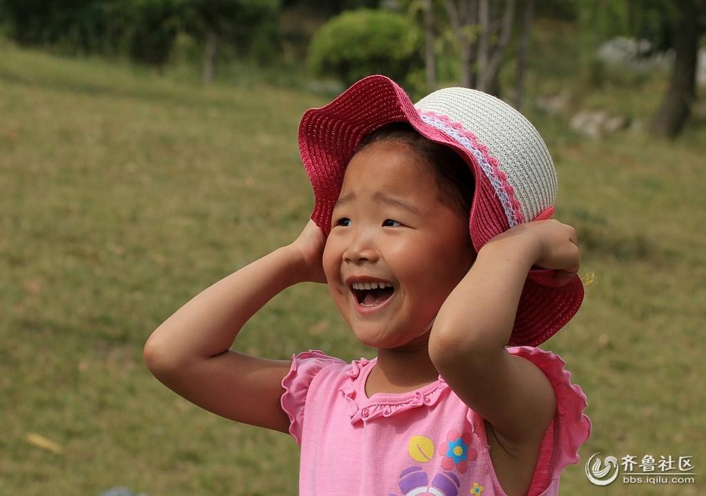 活泼的小女孩 - 枣庄老年文艺协会 - 齐鲁社区 - 山东最大的城市生活社区,山东广播电视台官方社区!