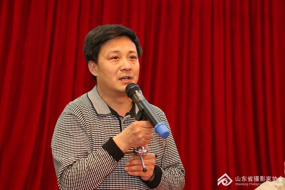山东省摄影家协会秘书长张世刚