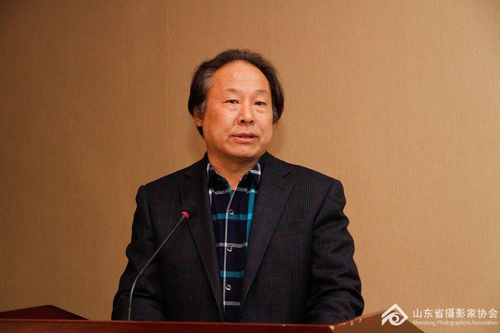 淄博市摄影家协会主席孙伟庆分享工作经验