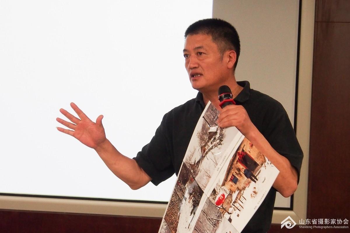省摄影家协会副主席唐国志精彩讲解.jpg