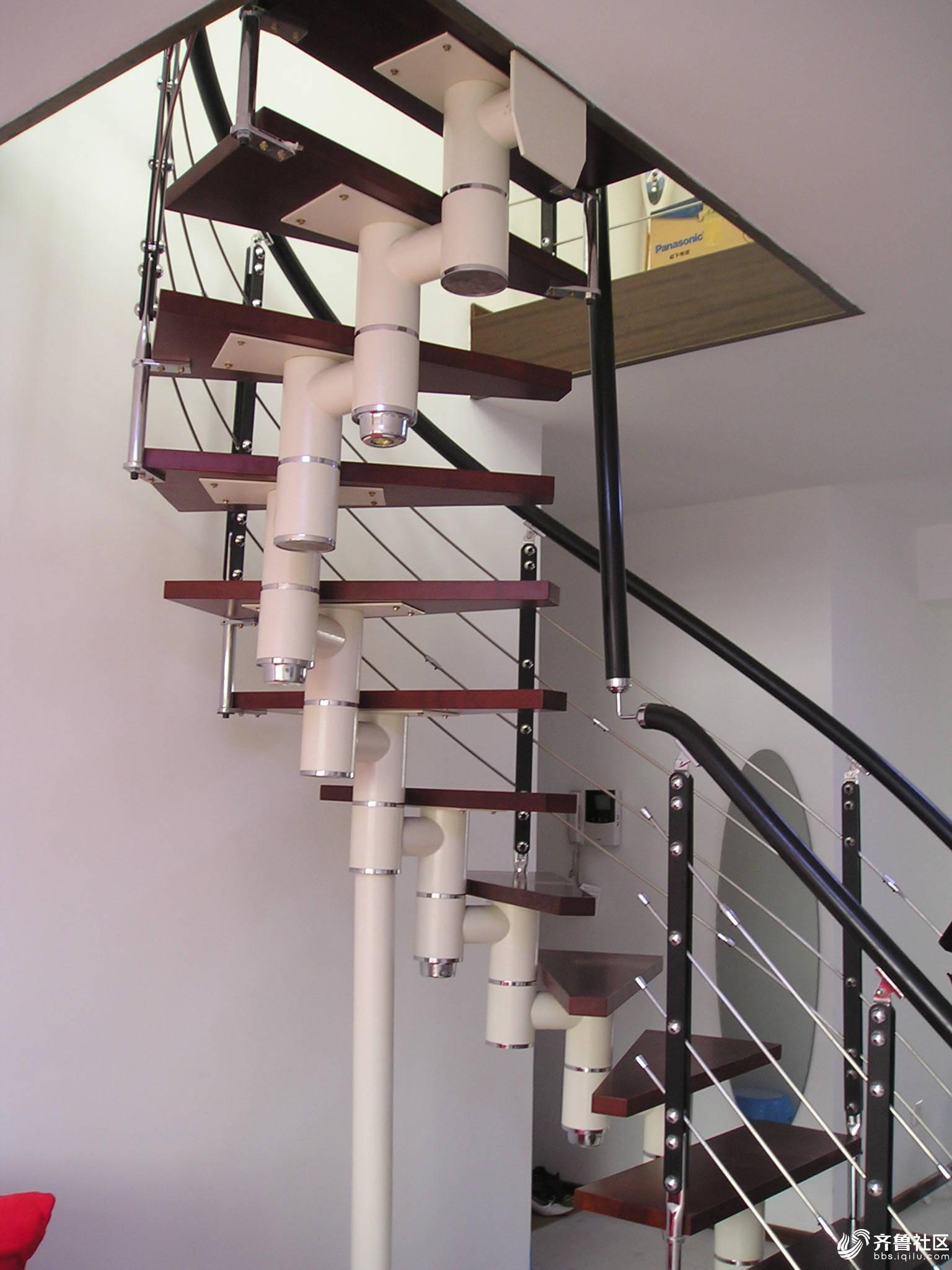 阁楼别墅专用实木楼梯钢木楼梯旋转楼梯实木围栏玻璃护栏