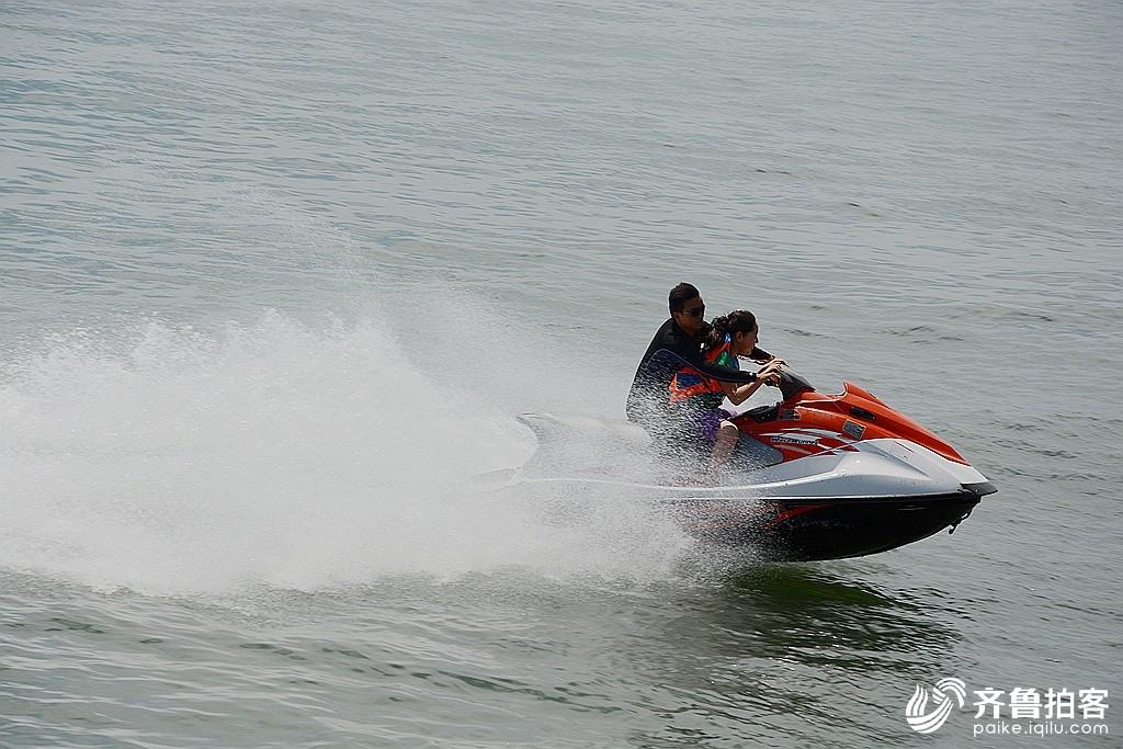 冲浪飞艇 - 青岛拍客 - 齐鲁社区 - 山东最大的城市