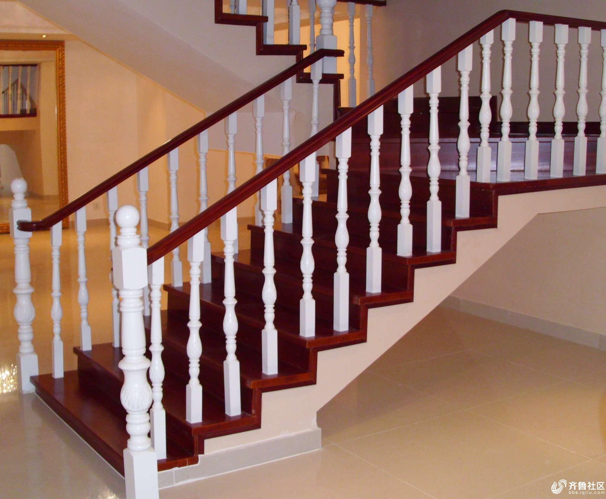 别墅复式专用旋转楼梯玻璃护栏实木楼梯钢木楼梯