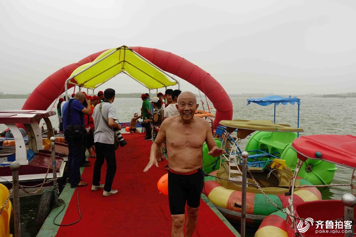 曹县首届全国游泳邀请赛在八里湾成功举办