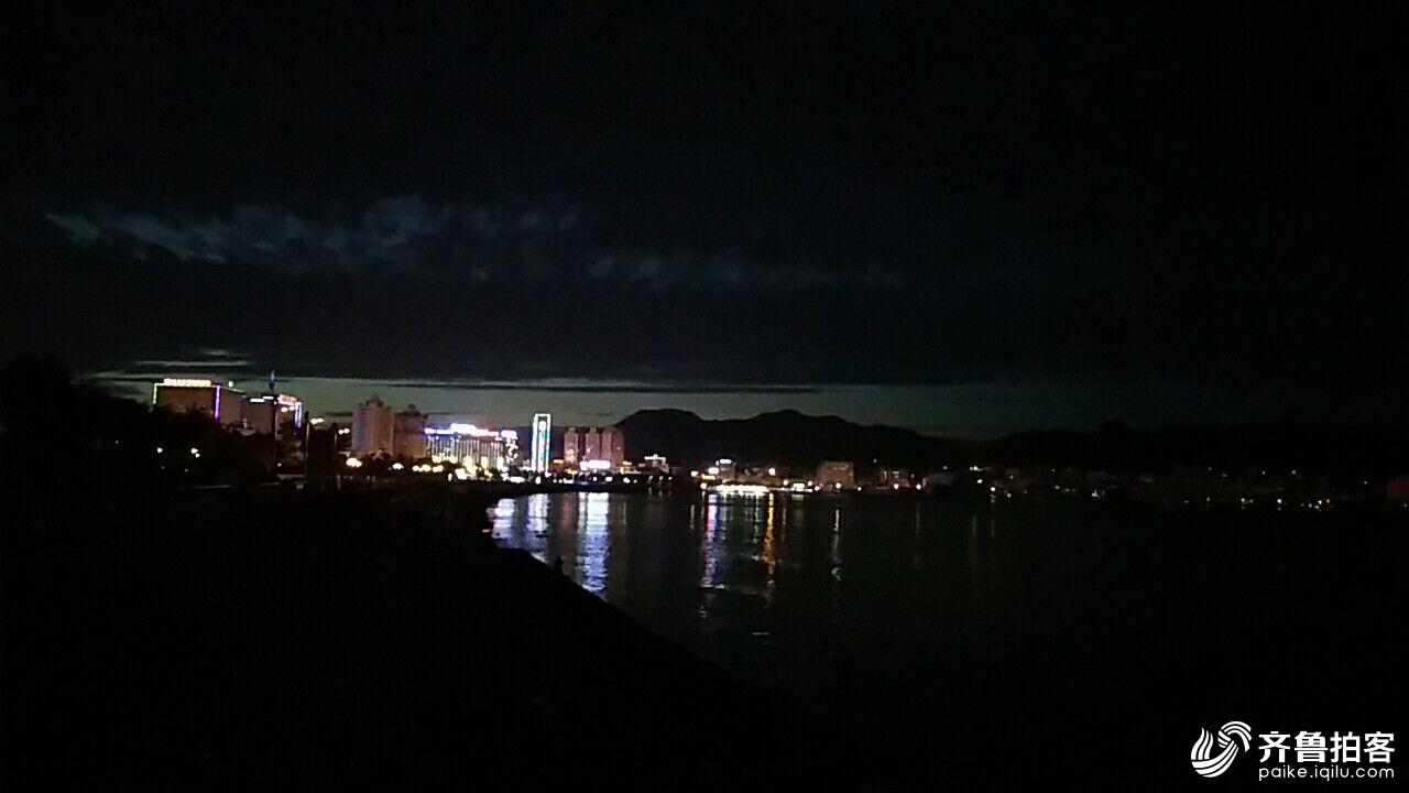威海昨惊现海天一色海市蜃楼美景