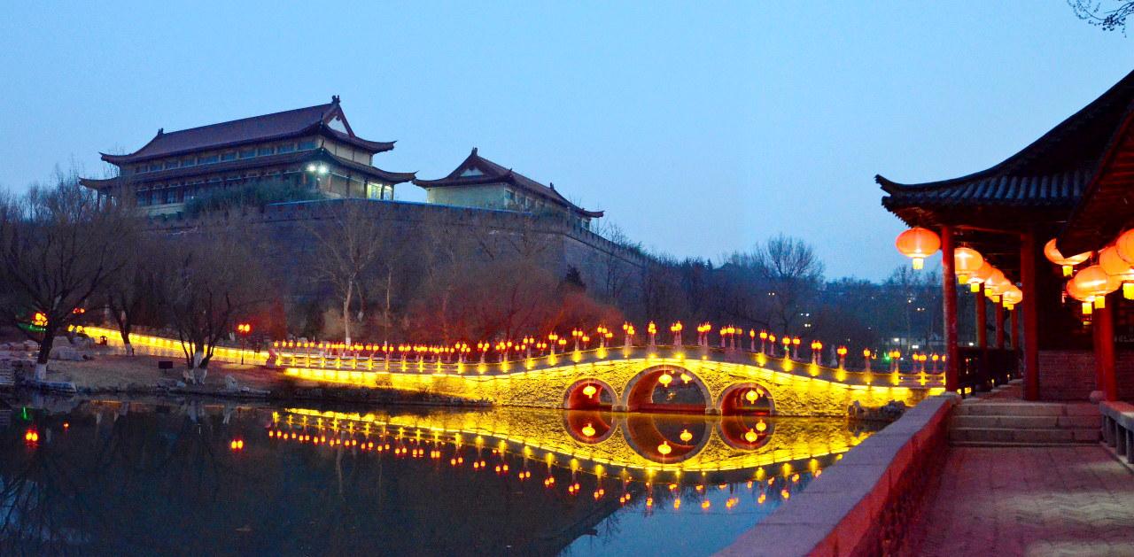 范公亭公园夜景(一)