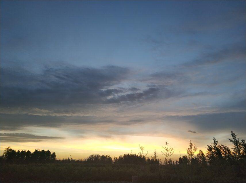 夕阳西下,一天的劳动结束了