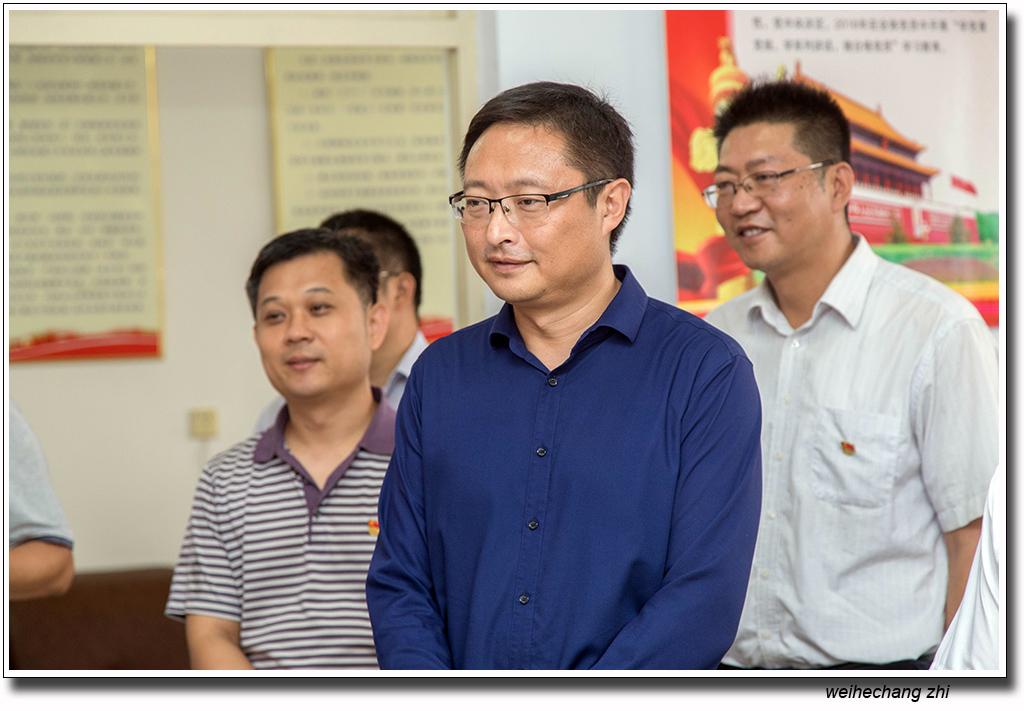 省委老干局领导在安丘4.jpg