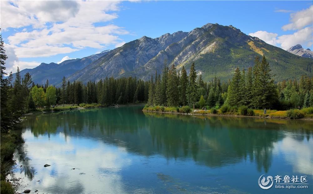 19-班芙秋季周边的湖泊和群山.jpg