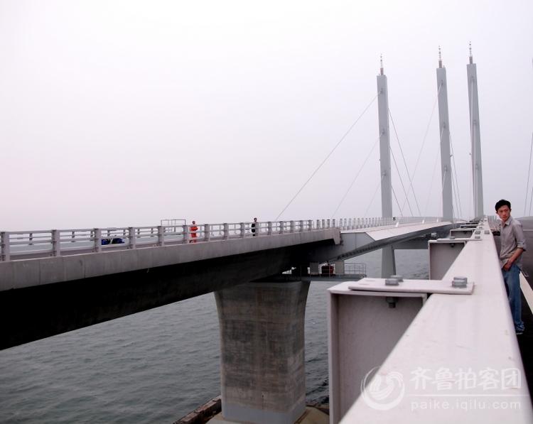 世界第一的青岛海湾大桥即将建成通车!