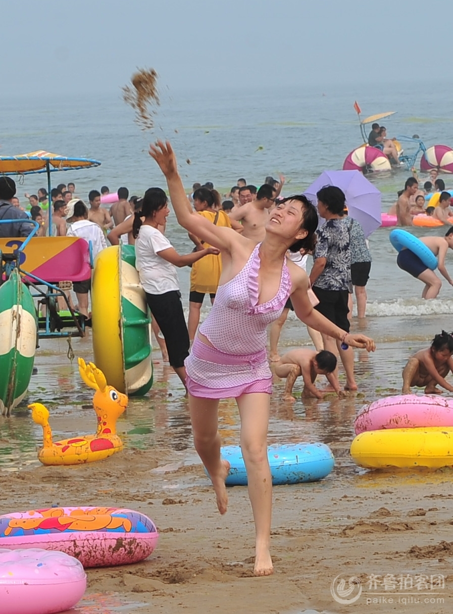 海滩美女沙仗秀