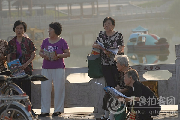 齐鲁峰天天拍492——遍郓城唐塔公园之歌唱者