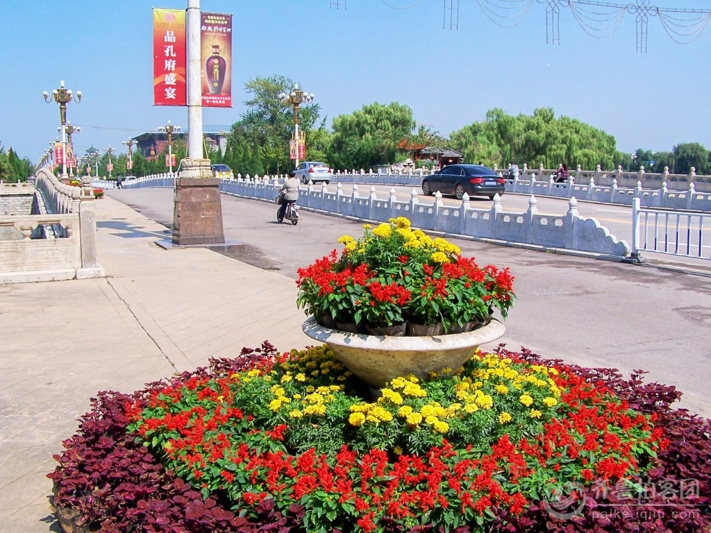 街头花坛绿地设计