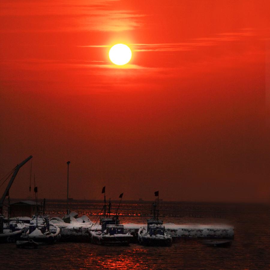 《烟墩角的早晨》.jpg