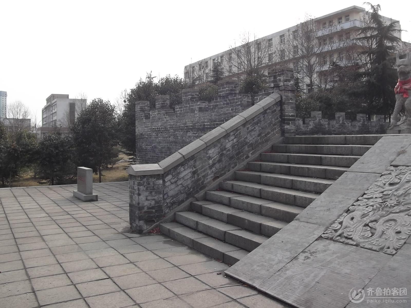 游鲍叔牙墓及鲍山 017.jpg