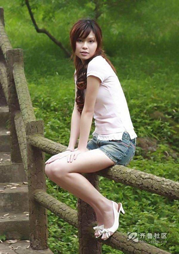 公园里的美女