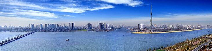 被评为国家首批水利风景区,滨河湿地也跻身国家级城市湿地公园行列.