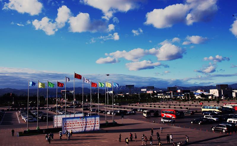 呼和浩特飞机场外景1.jpg