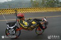 :济南勇哥骑两轮竞速躺车和骑友们玩夜骑
