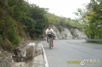 骑行在路上