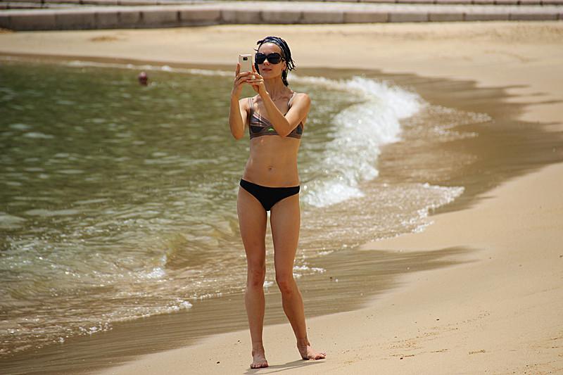 沙滩比基尼美女
