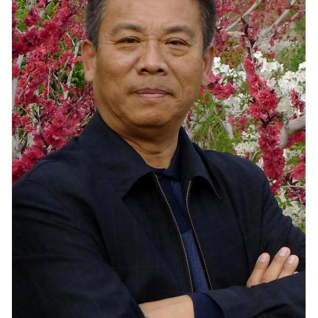 山东省摄影家协会副主席桑鲁成
